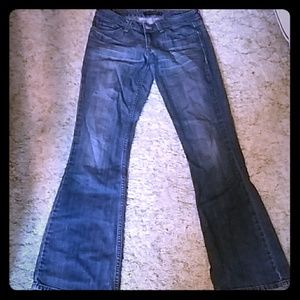 Low waisted levis